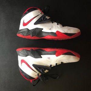 LeBron Nike Zoom Soldier VII Sz 9.5